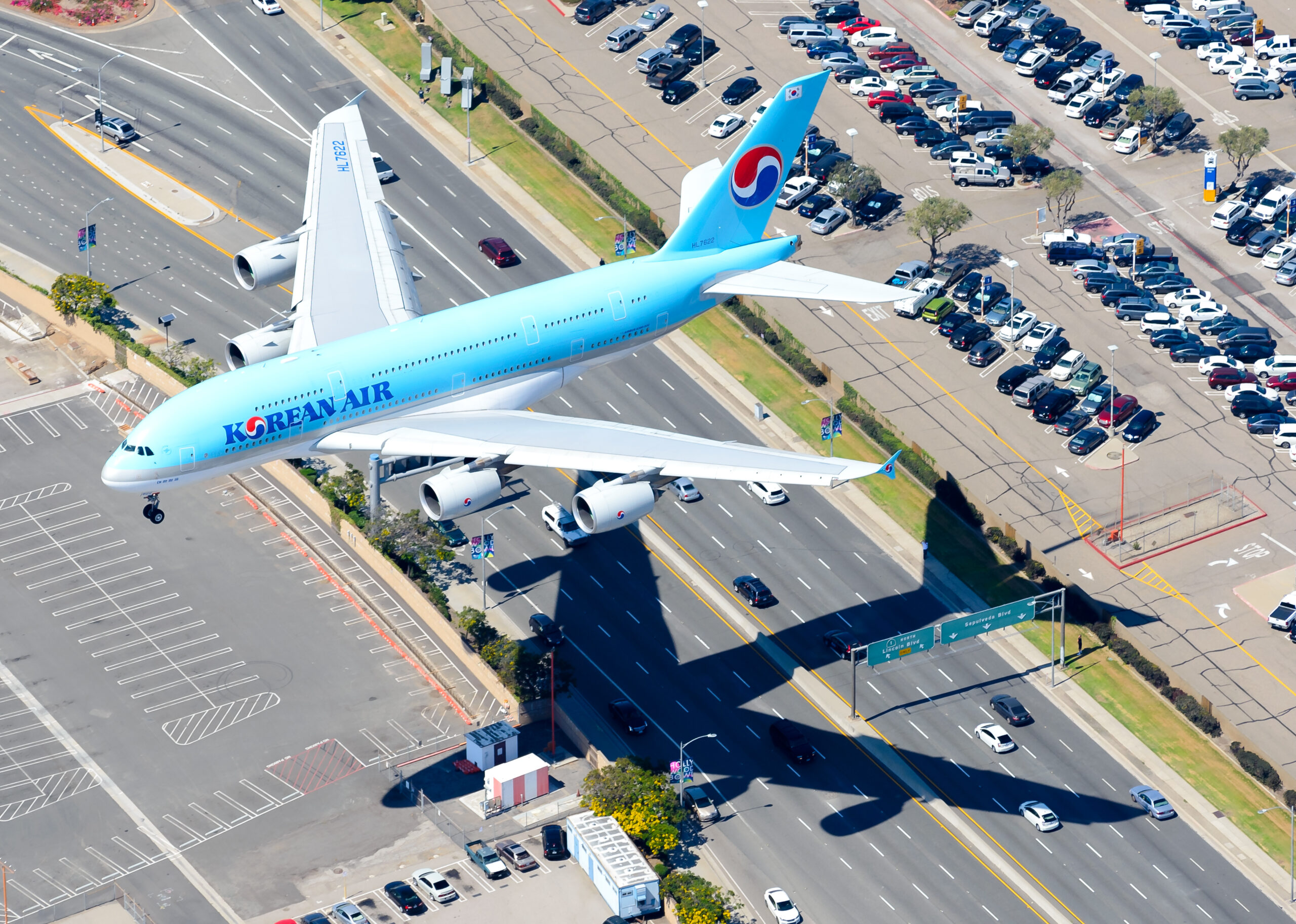 Do You Know How High Commercial Passenger Planes Can Fly? Check It Out!