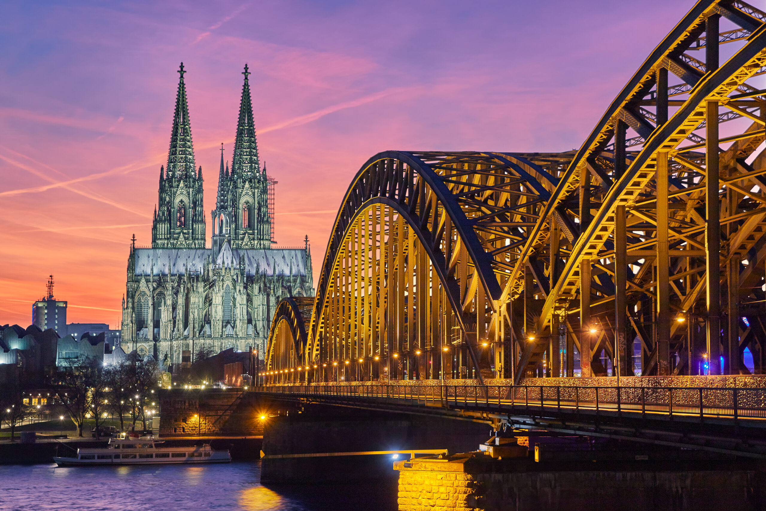 Tourist Attractions in Germany like Cologne Cathedral and Hohenzollern Bridge