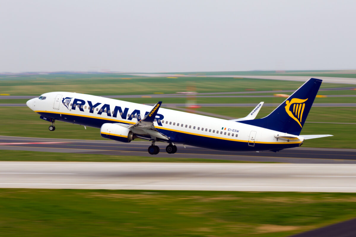 low cost carrier Ryan air in Europe