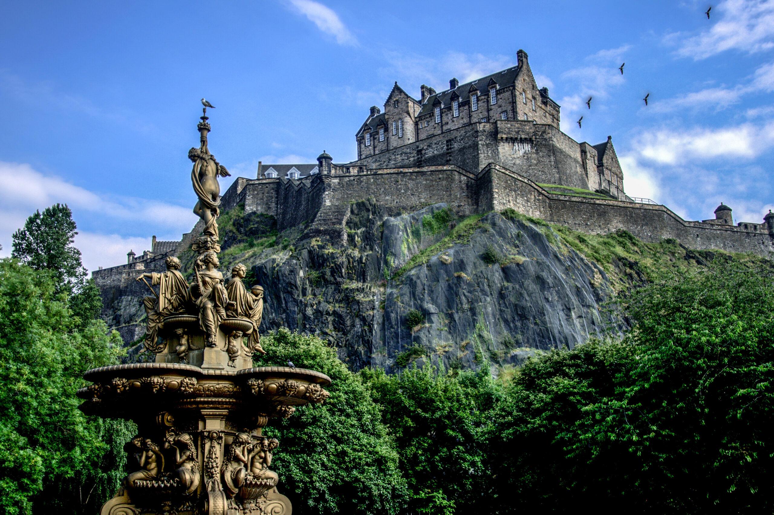 Virtual EuropeanCastle Tours of Edinburgh Castle during summer, Scotland.