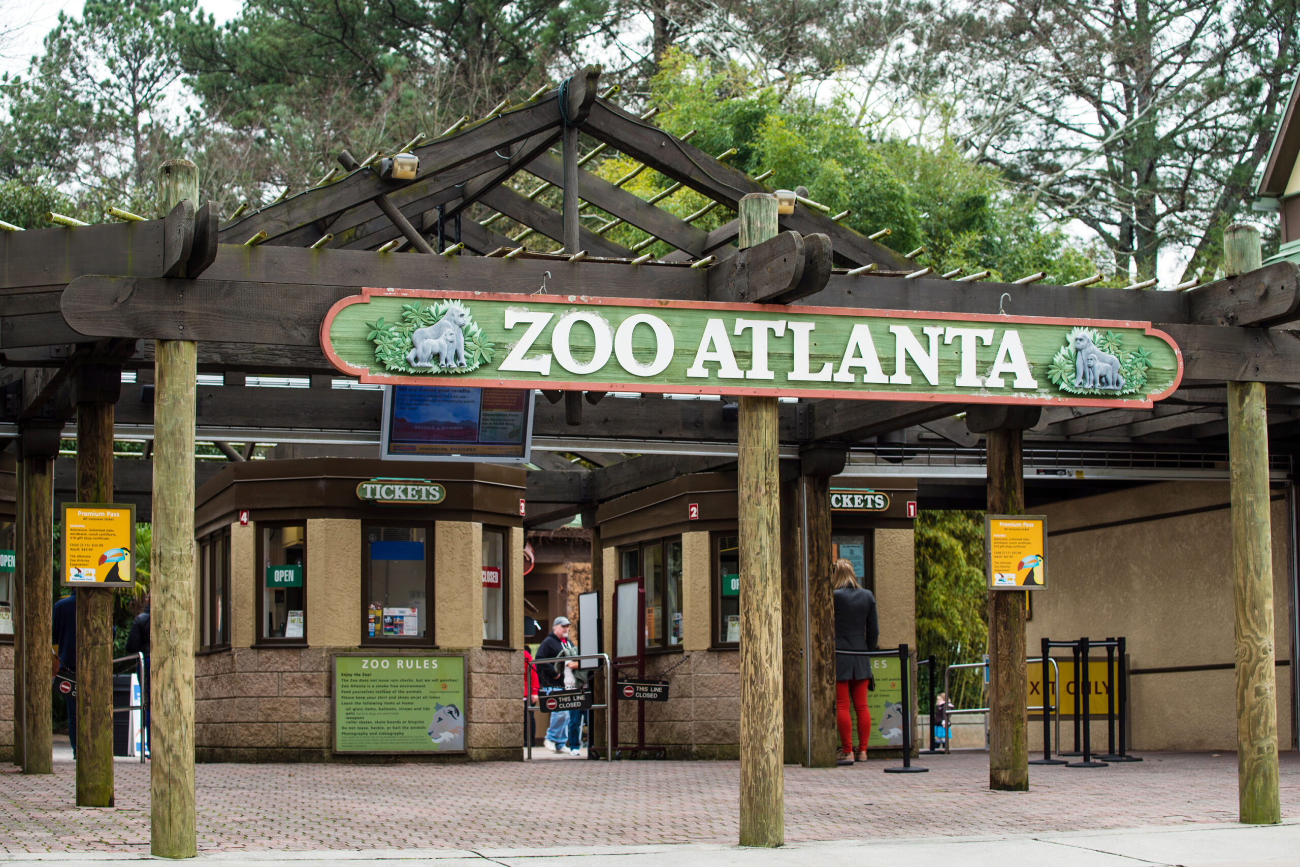 Entrance to Zoo Atlanta. The zoo houses more than 1,500 animals and welcomed roughly 866,000 visitors a year.