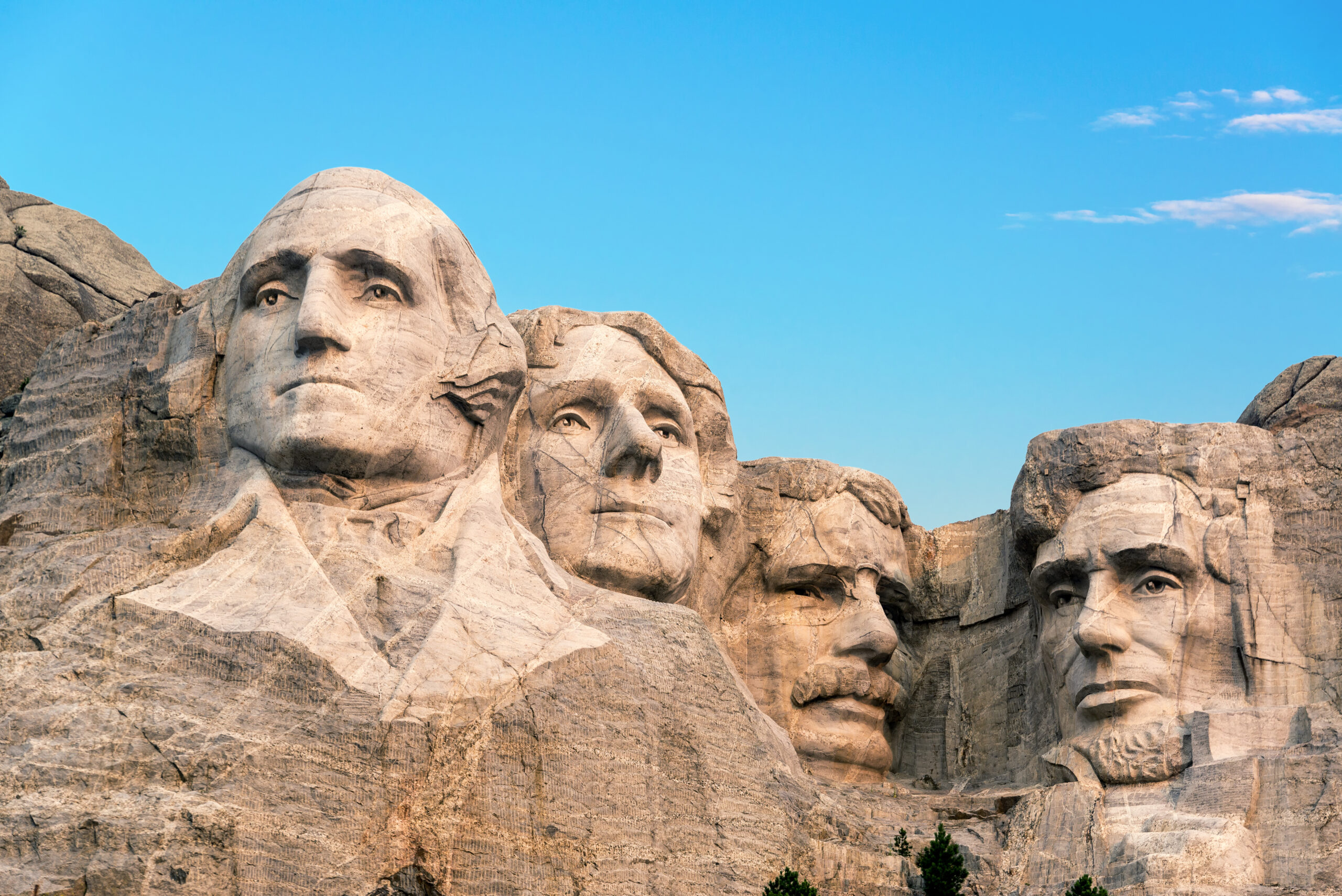 Virtual Tour of Historical Sites like Classic view of Mount Rushmore