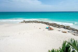 Aruba clean blue beach