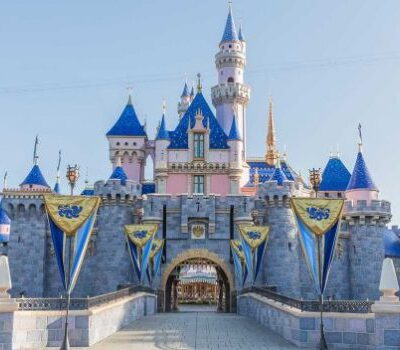 Disney Fans?? Check Out These Virtual Tours of Florida Theme Parks to...